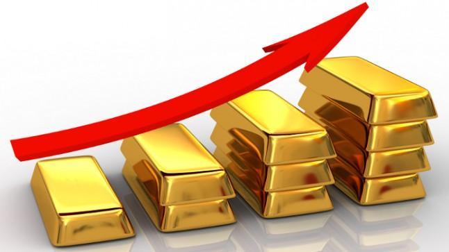 Gold Reaches $2,000 Amid Dollar Depreciation