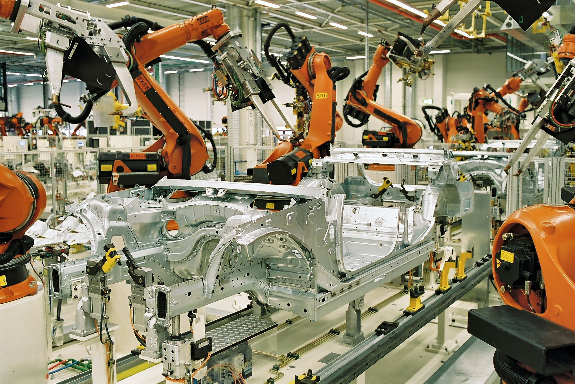 Industrial Production Down by 0.8% in Euro Area