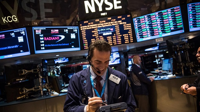 Dow Hits its 17th Record Close since the Election, US Bond Yield Rise