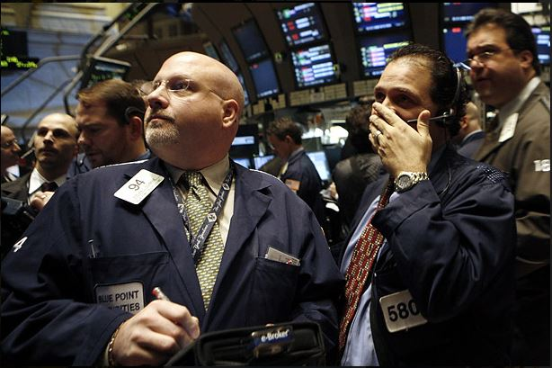 U.S. Stocks Weaken on Fresh Economic Concerns