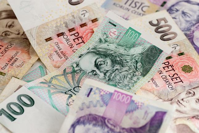 Czech Koruna Advance After First Interest Rate Hike in Almost a Decade
