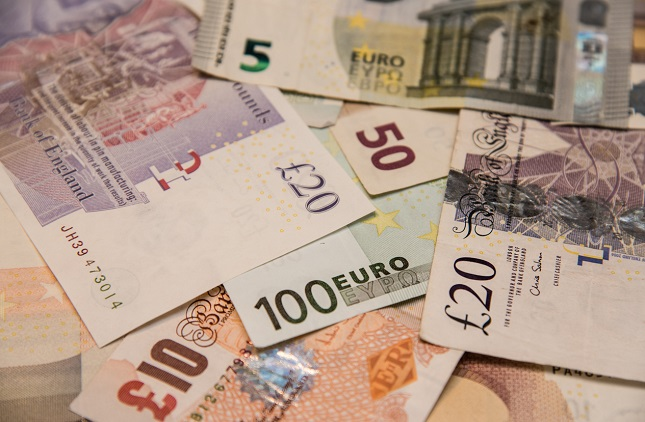 EUR/GBP Lower High – Lower Low Swings Show a Potential Breakout