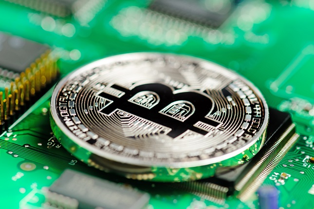 Bitcoin Touches $11,000, But all too briefly
