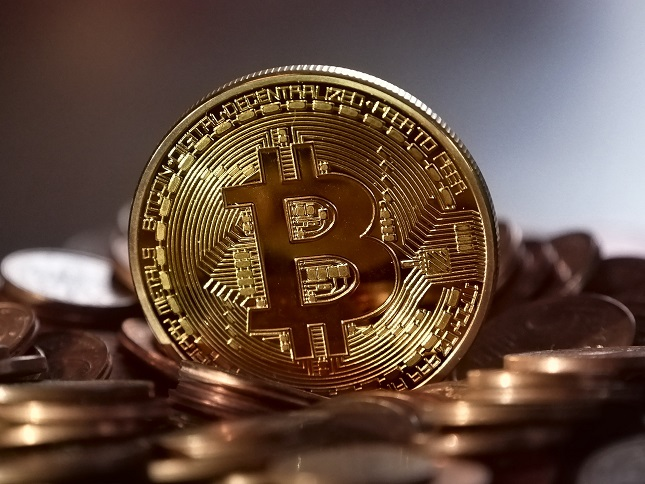 Bitcoin in the Red, But Looks Ready to Make a Move