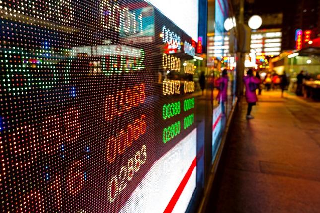 European Shares Follow U.S. Sharp Declines on Trade War and Tech Sector Concerns