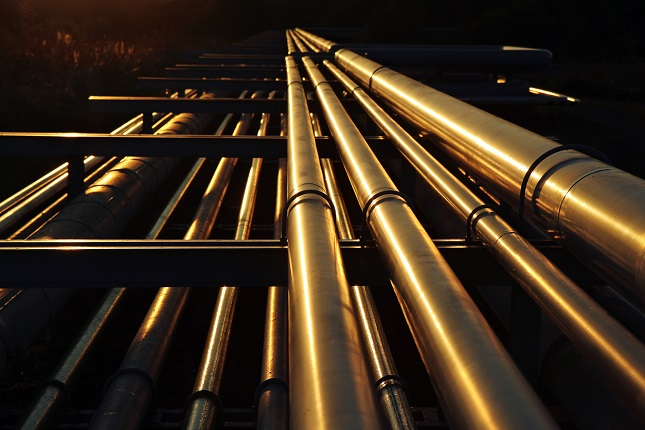 Yield Surge Punishes Oil While Gold Sends Out Inflation Feelers
