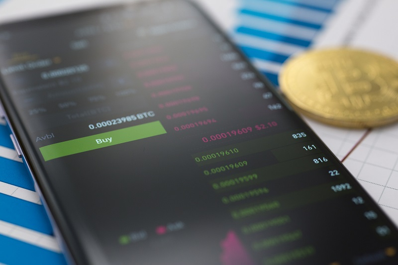 Trading Cryptocurrencies with Your Mobile Phone