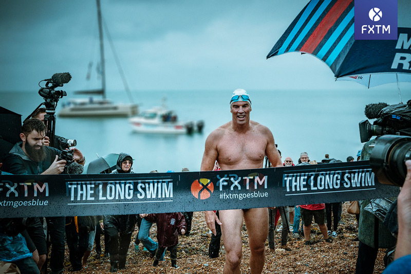 FXTM Brand Ambassador Lewis Pugh Completes World-First Long Swim Challenge in Dover