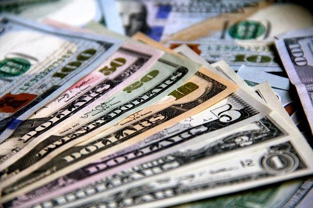 Dollar falls on Trade Hopes, BoE, CBRT and ECB in Focus