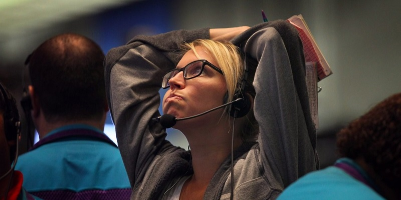 Equities Sink On Global Tensions, VIX Jumps 20%; Earnings Still In Focus
