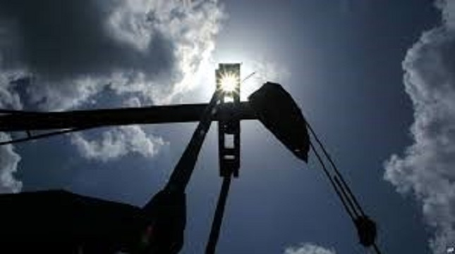 Crude Oil Price Forecast – crude oil markets continue to hang onto support