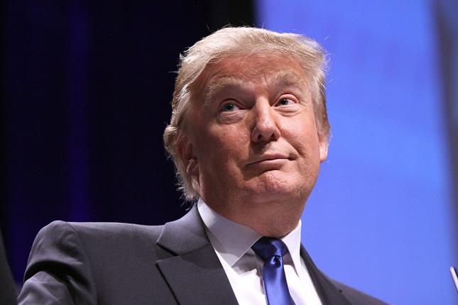 Politics in Spotlight: Trump Discusses Firing Powell, Failed Spending Bill Shuts Down Government