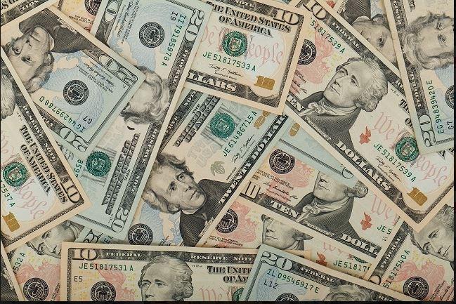Dollar Pressured by Weak Economic Data, Concerns Fed Will Soften Monetary Policy