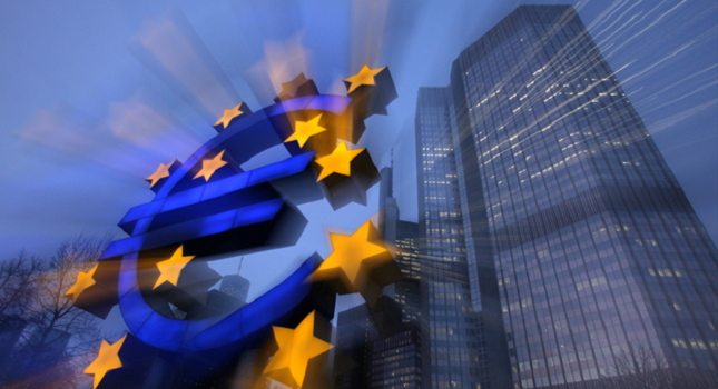 Euro Tumbles as ECB Highlights Downside Risks