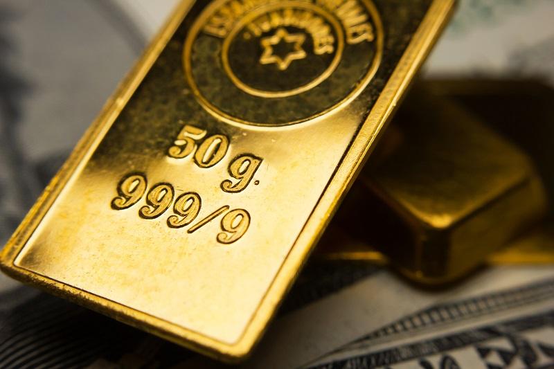 Gold Advances Amid Risk Aversion, Other Precious Metals Down