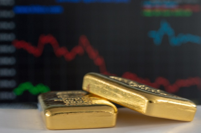 Gold remains around 1,280 as dollar bounces