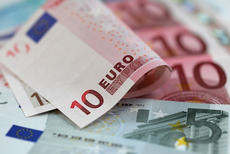 EUR/USD Price Forecast -Euro Bounces From Major Figure
