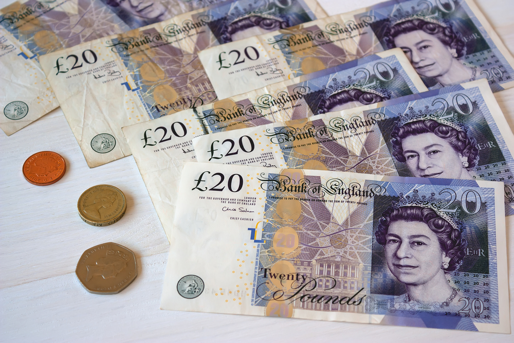 Pound Slips as Fears of No-Deal Brexit Overtake Post-Election Optimism