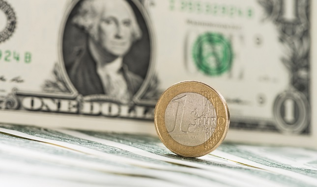 EUR/USD Price Forecast – Euro Continues to Chop Back and Forth With Positive Thursday