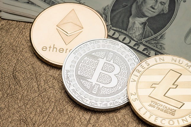 BTC/USD Holds above 26,385 in Downward Triangle, ETH/USD Consolidates above 700