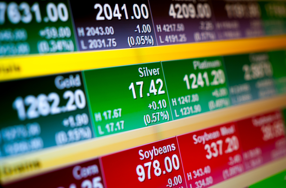 Major Stocks around the world fall, COVID-19 new cases strengthening upward