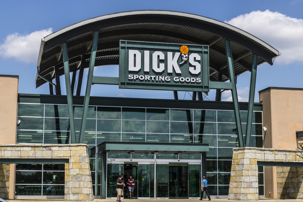 Dick's Sporting Goods Knocks Quarterly Earnings Out of Ballpark