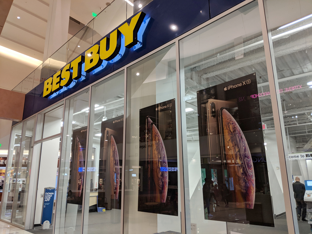 Best Buy Q2 Sales Rose about 6% But Warns of a Slowdown in Q3; Shares Down About 8%