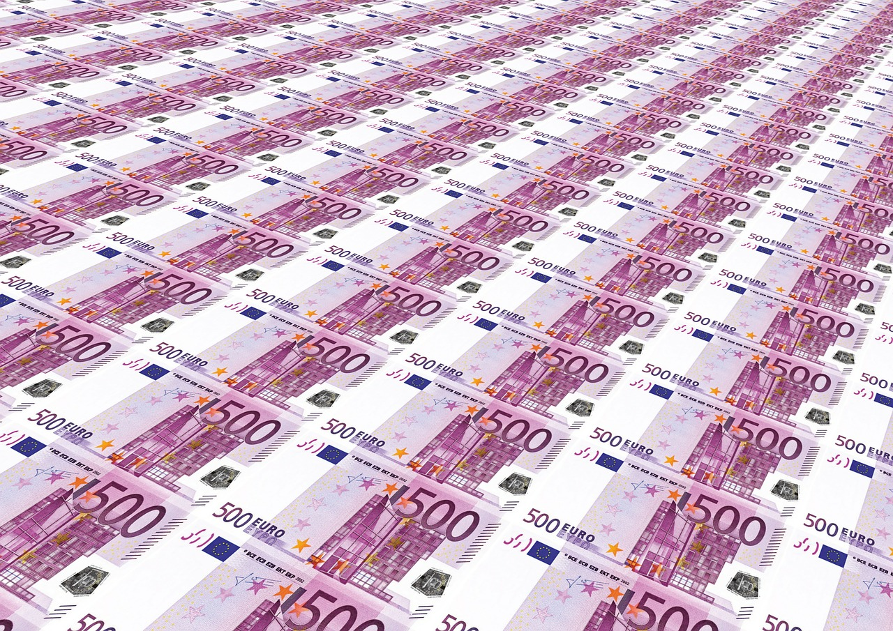 EUR/USD Attempts to Close the Month on a Strong Note