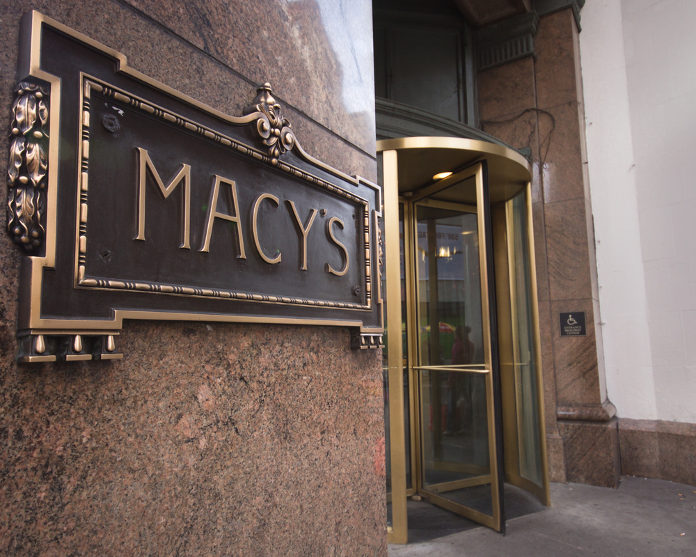Macy's Shares Gain as Earnings Top Estimates