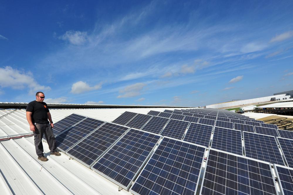 SolarEdge Technologies Dives as Revenue Outlook Disappoints