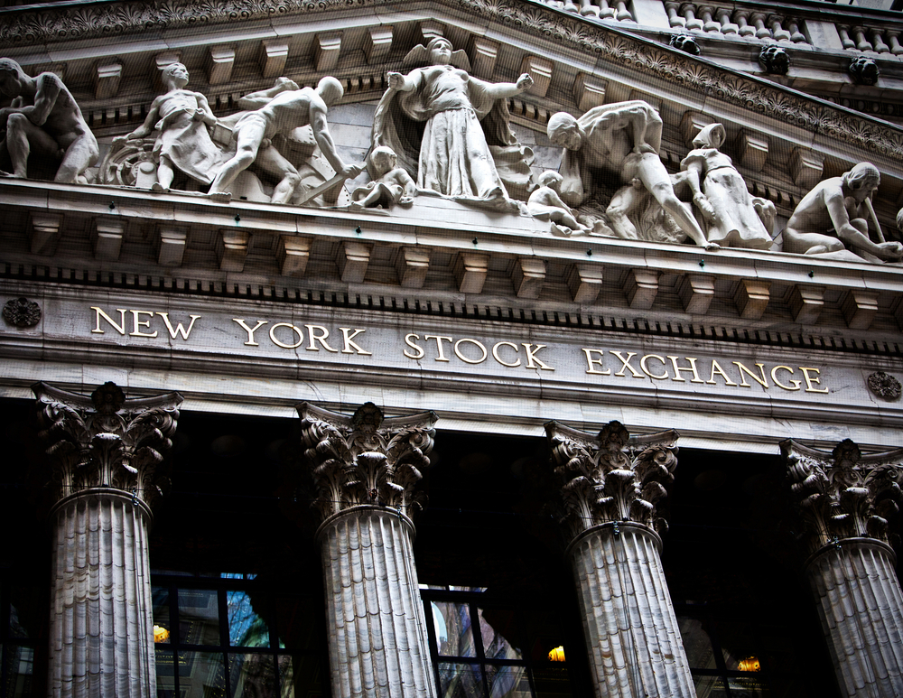 European Shares, US Futures Drift Lower in Early Trade; Investors Buying Value Companies