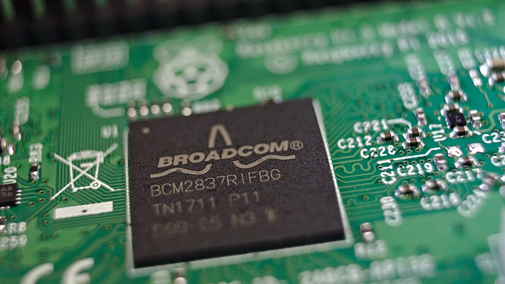 Chipmaker Broadcom Posts Strong Earnings Despite Weak Enterprise Demand; Target Price $456