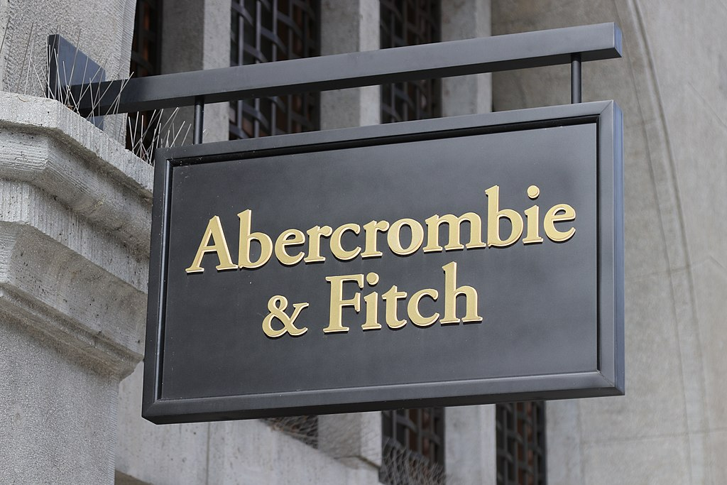 Apparel Retailer Abercrombie's Shares Soar After Sales Outlook Upgrade; Target Price $28