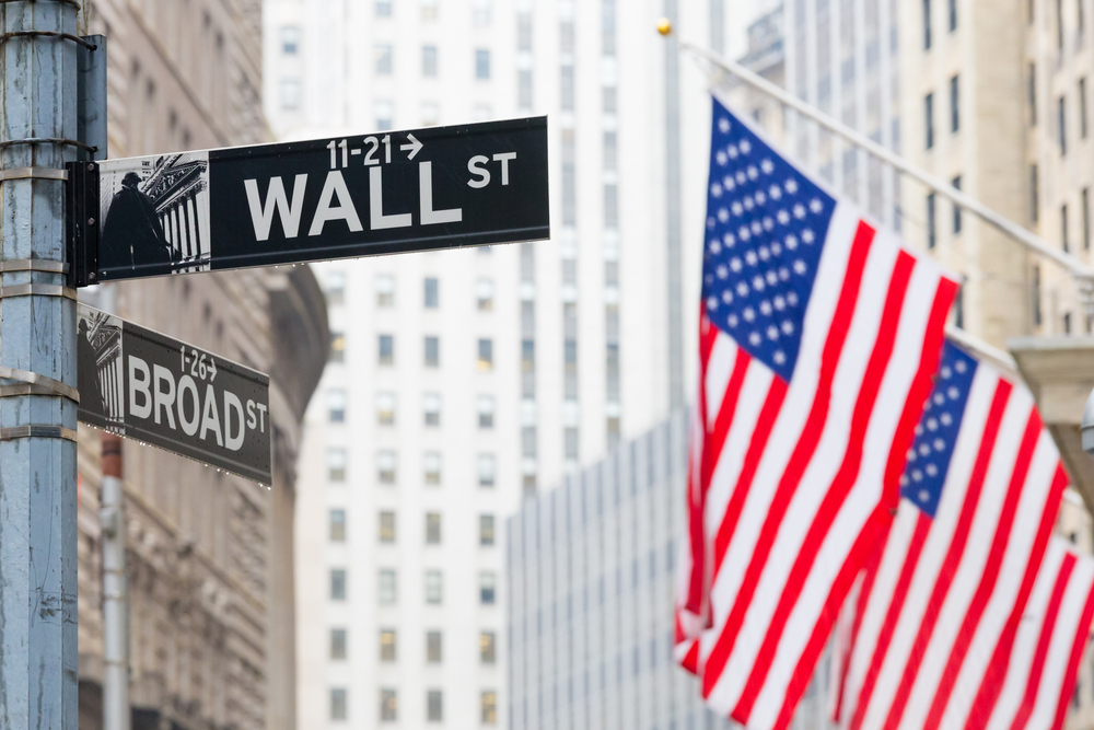 US Stock Market Overview – Stock Close Mixed Led Higher by Discretionary Shares; Energy Shares Underperformed