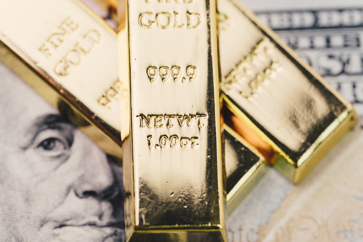 Gold Closes Fractionally Higher amidst Dollar Strength and Higher US Treasury Yields