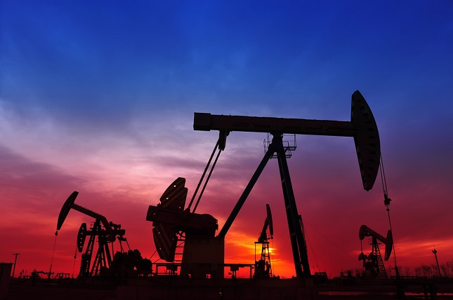 Oil Lower as Yields Rise and IEA Talks Down Super-Cycle Risks