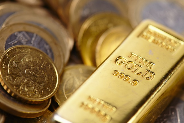 Gold Retraces as Yields Rise on Global Recovery Hopes