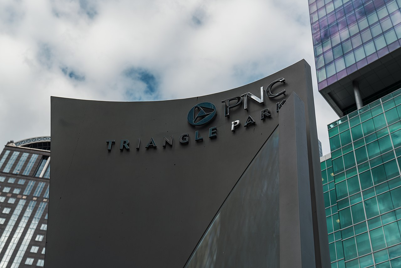 PNC Financial Shares Rise After Q1 Earnings Blow Past Estimates; Target Price $192
