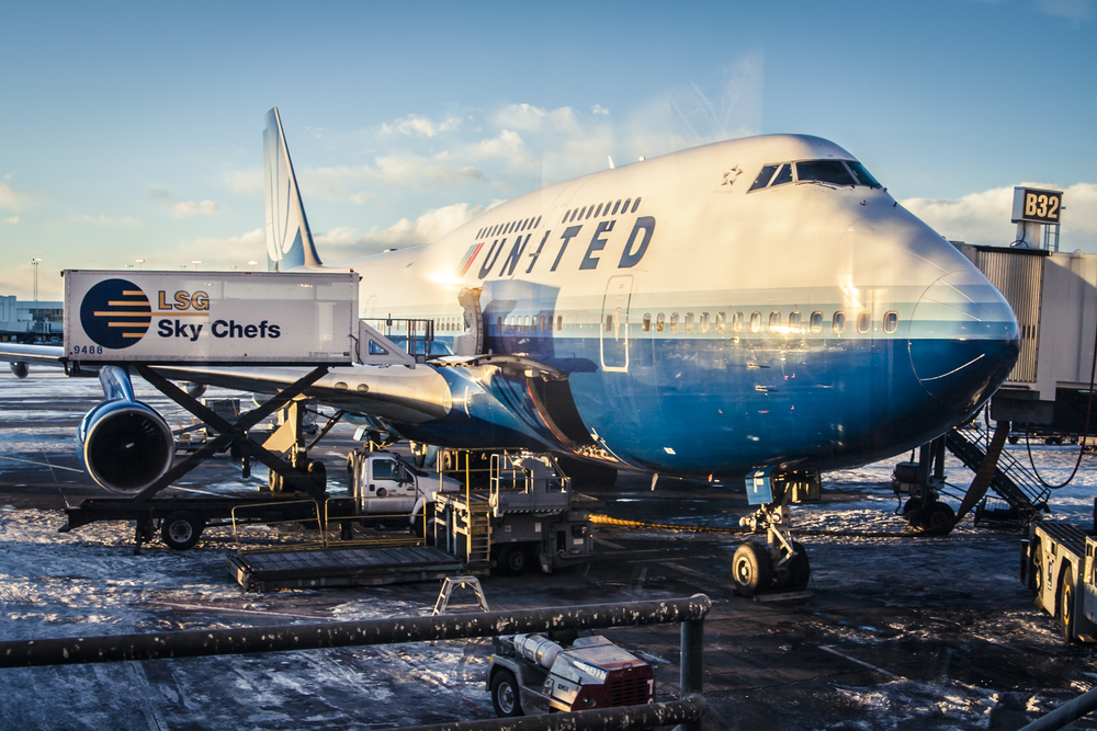 United Airlines Shares Slump Over 4% as Q1 Revenue Outlook Disappoints