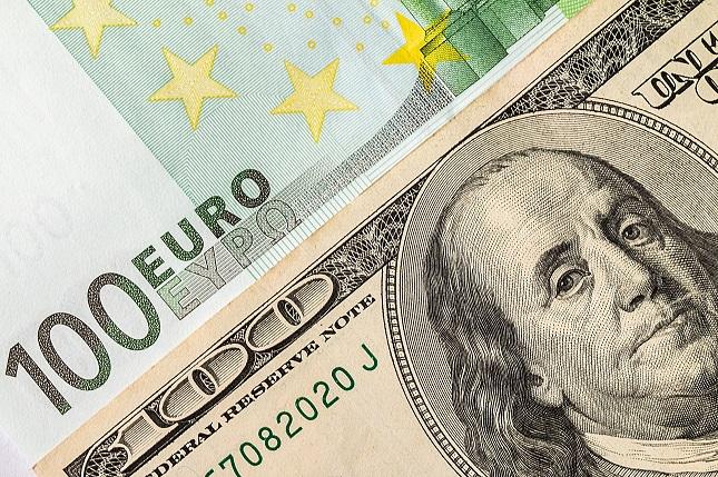 Technical Outlook: EURUSD Breakout On The Horizon?