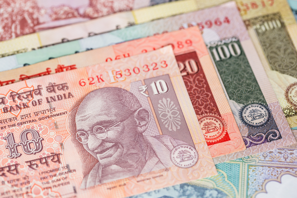 USD/INR: Rupee Drops Most in Over Six Weeks, Breaches 74-Mark