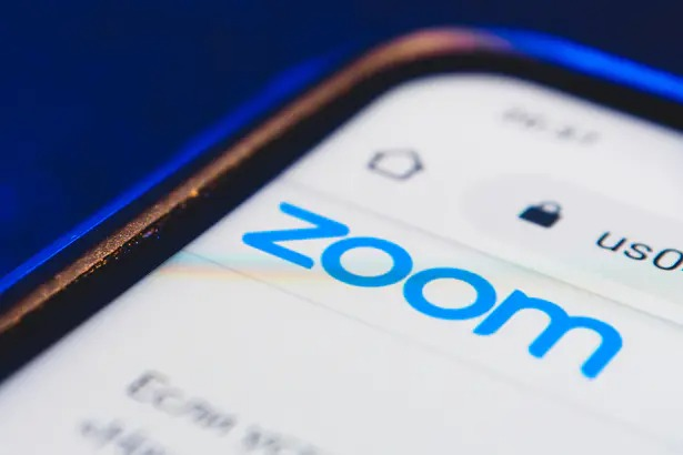 Zoom Buyer's Strike Continues Despite Strong Outlook