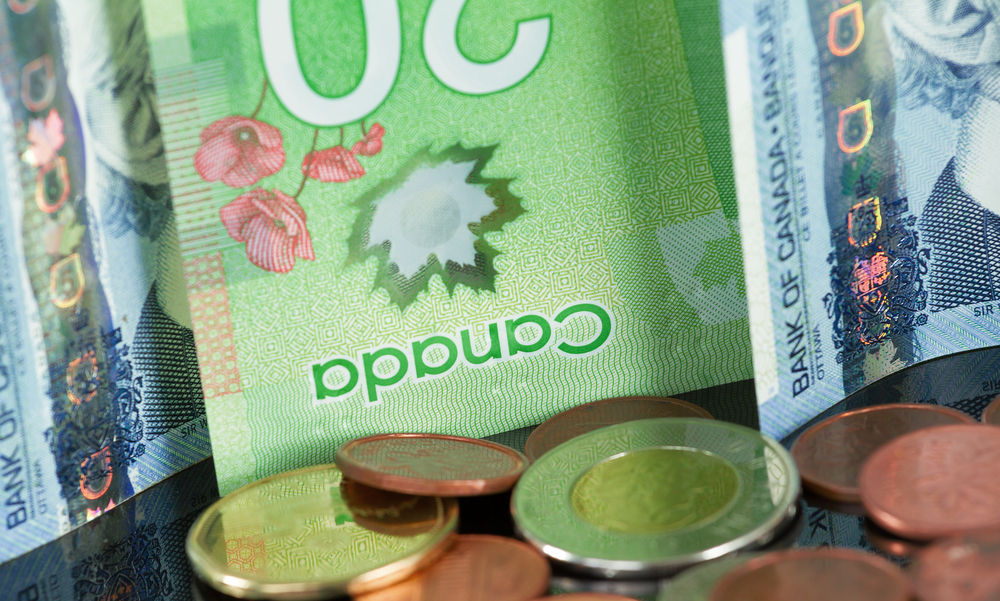 USD/CAD: Loonie Hits Over One-Month Low on Subdued Oil Prices, Election Uncertainties