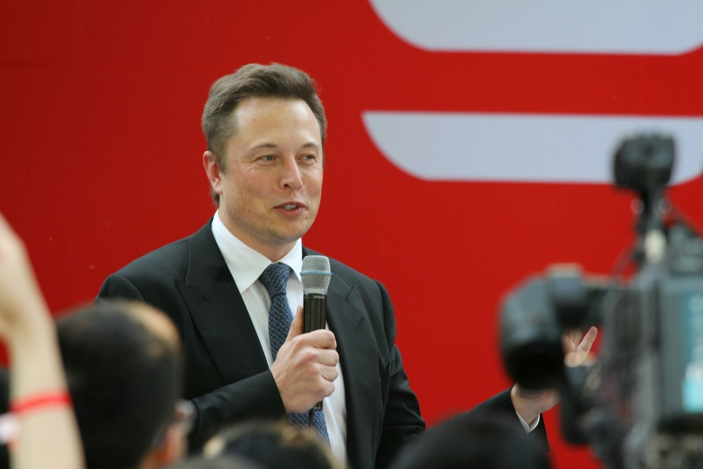 Elon Musk Says SpaceX Holds Bitcoin And Tesla Might Start Accepting It Again