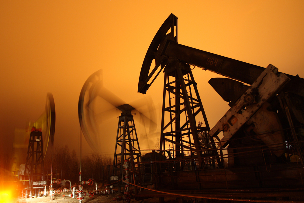 Longs in Oil and Grains Trimmed Ahead of Key Risk Events