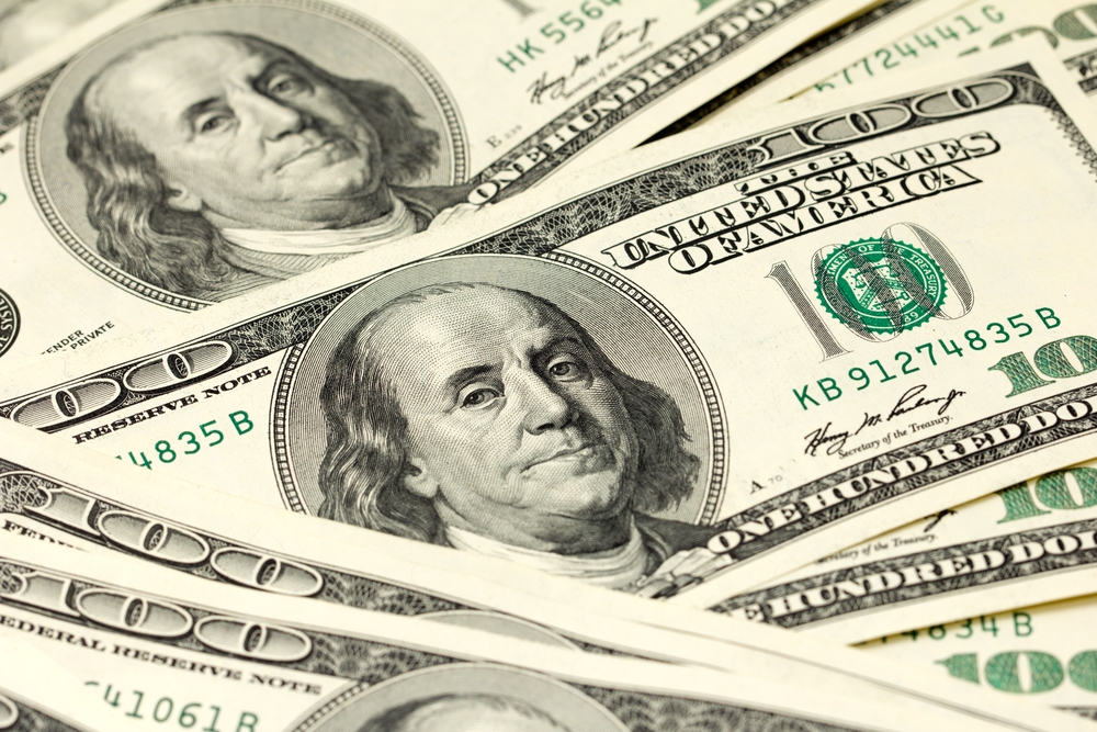 Tapering Sentiments Boost U.S Dollar To A Month High