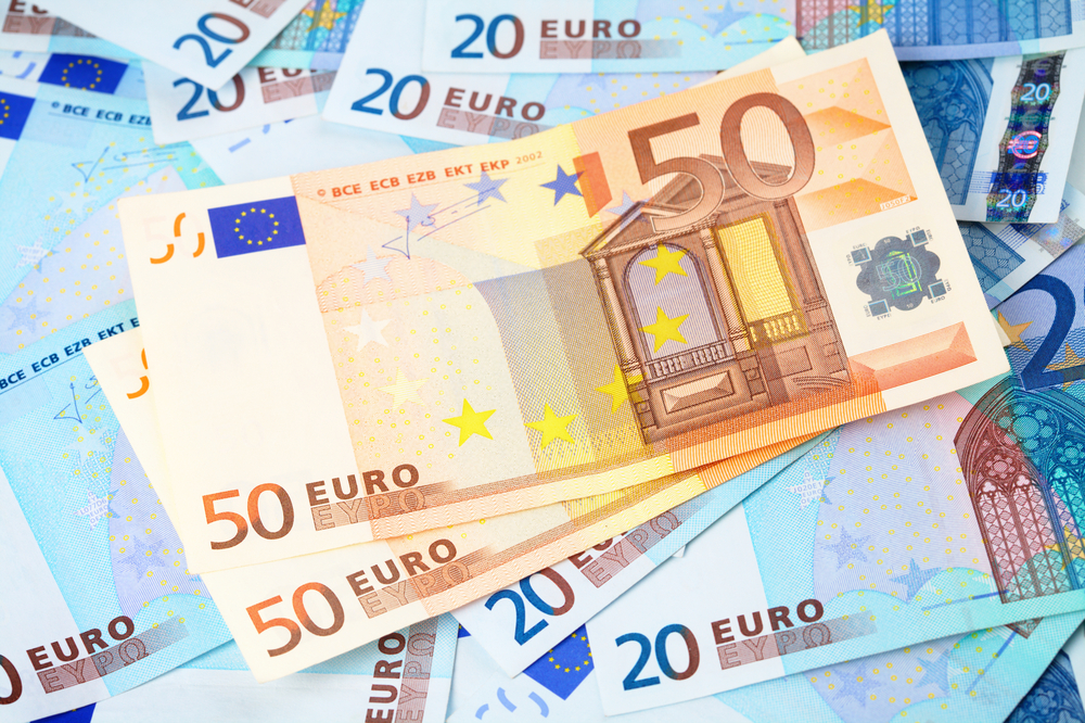 EUR/USD Daily Forecast – Euro Tries To Rebound Ahead Of The Weekend
