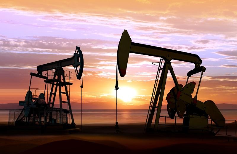 Oil Traders In A Parabolic Scenario