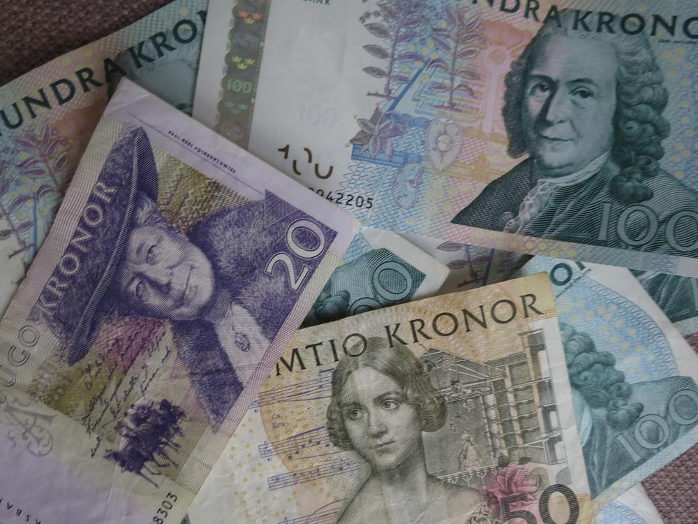 Sweden, Norway Currencies Eye Multi-Year Highs vs Euro: Reuters Poll