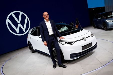 Volkswagen Expects Chip Supply to Remain Tight in Coming Months